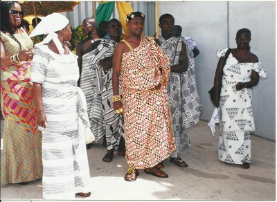 NANA KWANIN KWANFO II WITH HIS FAMILY BEFORE PROCEDING TO THE STADIUM DURING THE 10TH ANNIVERSARY OF OTUMFOUR OSEI TUTU II